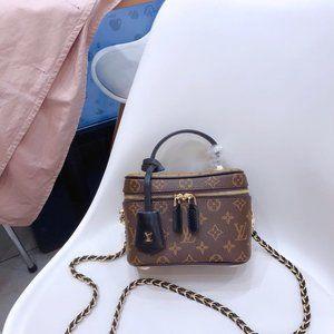 Louis Vuitton   totes